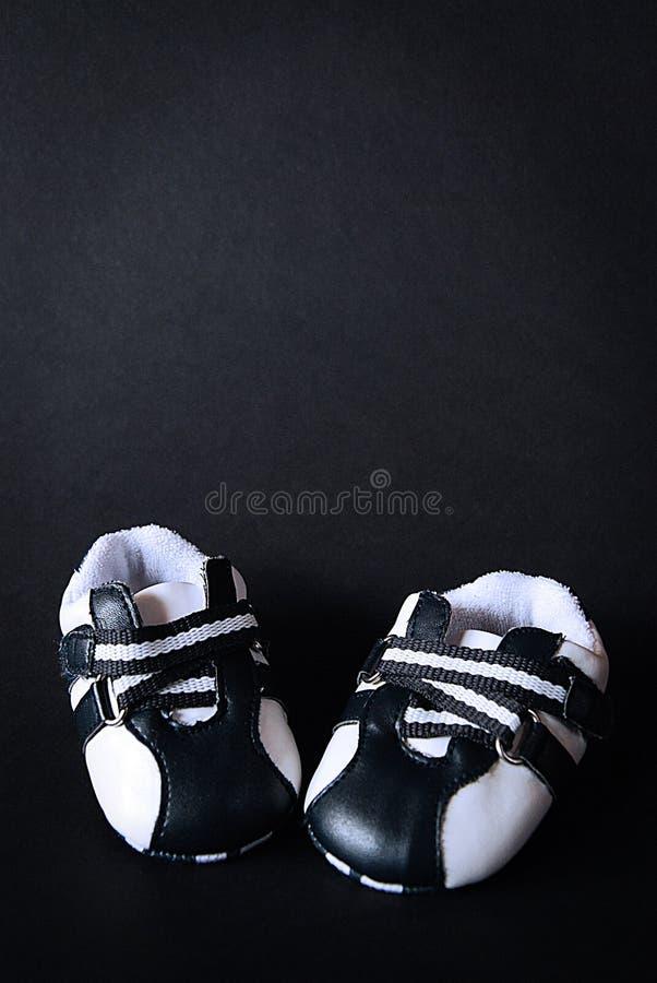 Zapatos rojos del cabrito imagenes de archivo