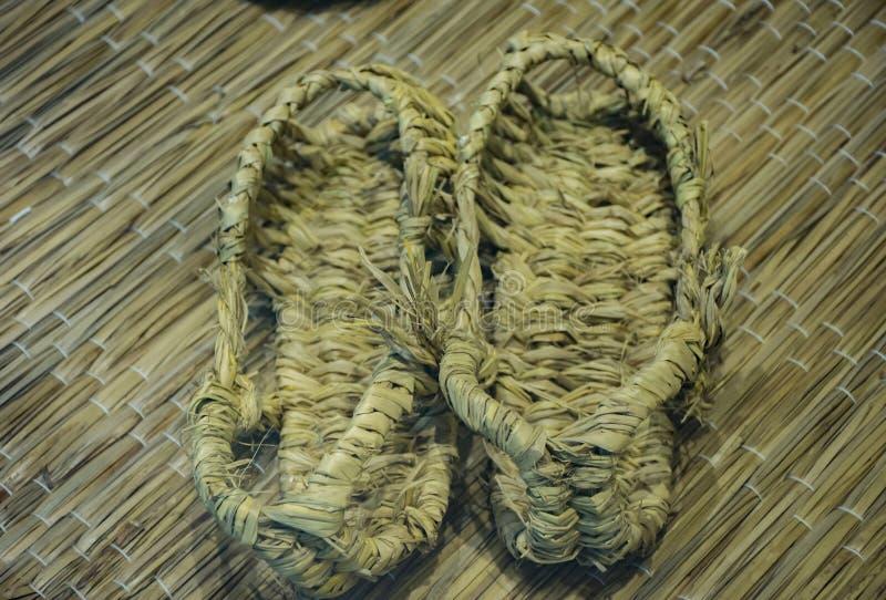 Zapatos tradicionales coreanos de la paja fotos de archivo libres de regalías