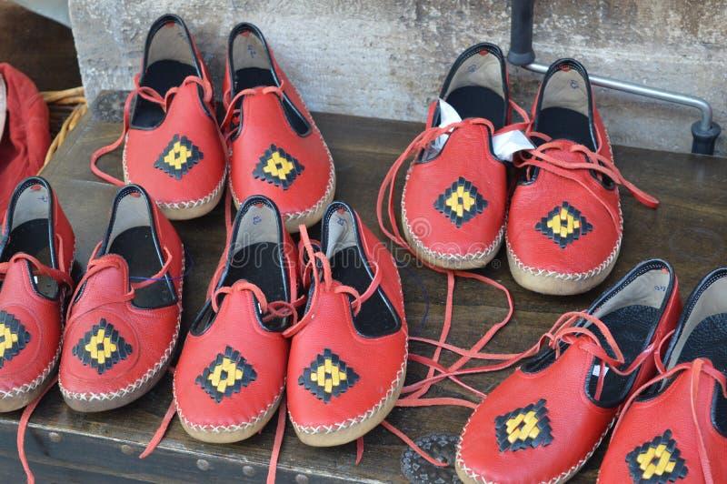 Zapatos turcos hechos a mano en venta, estilo del vintage imagen de archivo libre de regalías