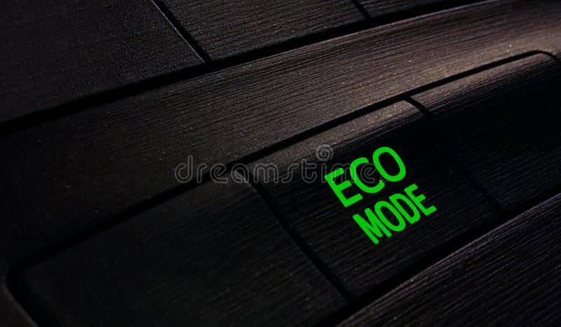 Zapina eco tryb w samochodzie, save energia obrazy stock