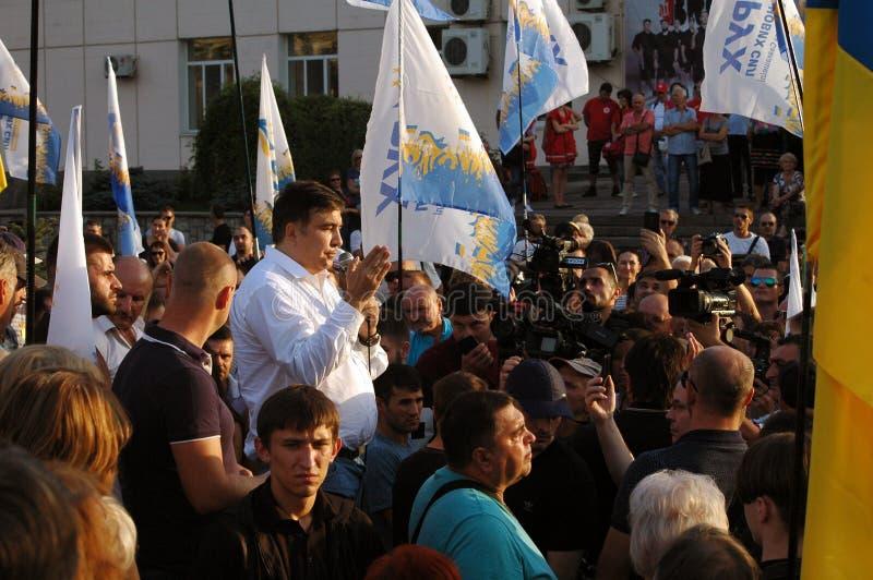 ZAPORIZHIA, UKRAINA †'Wrzesień 21, 2017: Mikheil Saakashvili polityczny spotkanie z ludźmi w kwadracie w centrum obraz stock