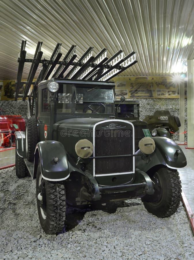 Zaporizhzhia Ukraina, Oktober, 03, 2017 - museum av retro bilar, sovjetisk militärfordon royaltyfria foton