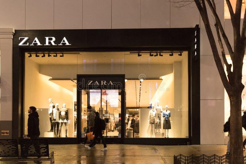 zara καταστημάτων Η Zara είναι μια από τις μεγαλύτερες διεθνείς επιχειρήσεις μόδας και αυτό ` s το κατάστημα αλυσίδων ναυαρχίδων  στοκ φωτογραφία με δικαίωμα ελεύθερης χρήσης
