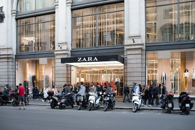Zara Store In Rome stockbild