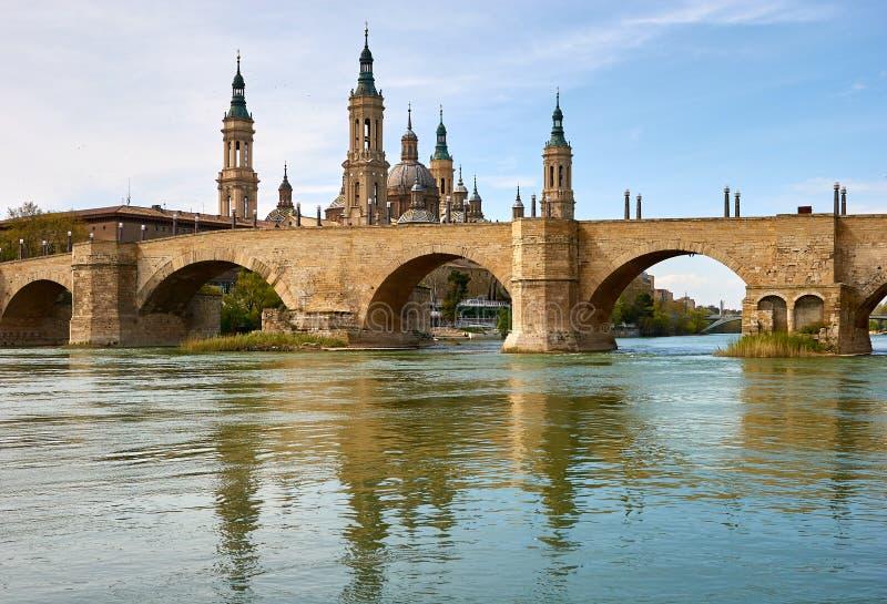 Zaragoza, ³ n de AragÃ, Espanha Puente de Piedra fotos de stock royalty free