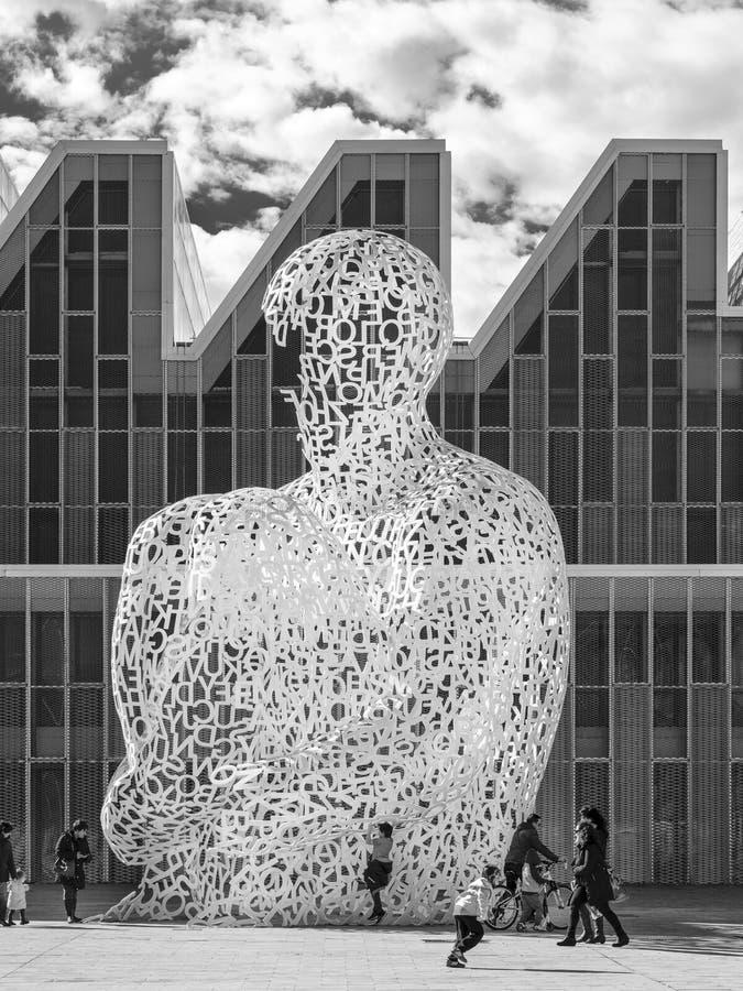 Zaragoza, España, Alma del Ebro de Jaume Plensa fotografía de archivo libre de regalías
