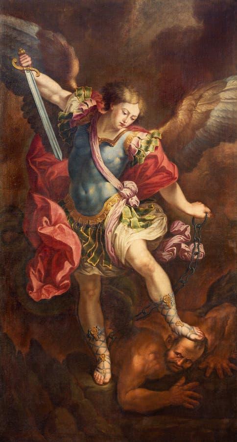 ZARAGOZA, ESPAÑA, 2018: La pintura de Michael Archangel en el la Santa Cruz del ³ n de Iglesia de la Exaltacià de la iglesia de M imágenes de archivo libres de regalías