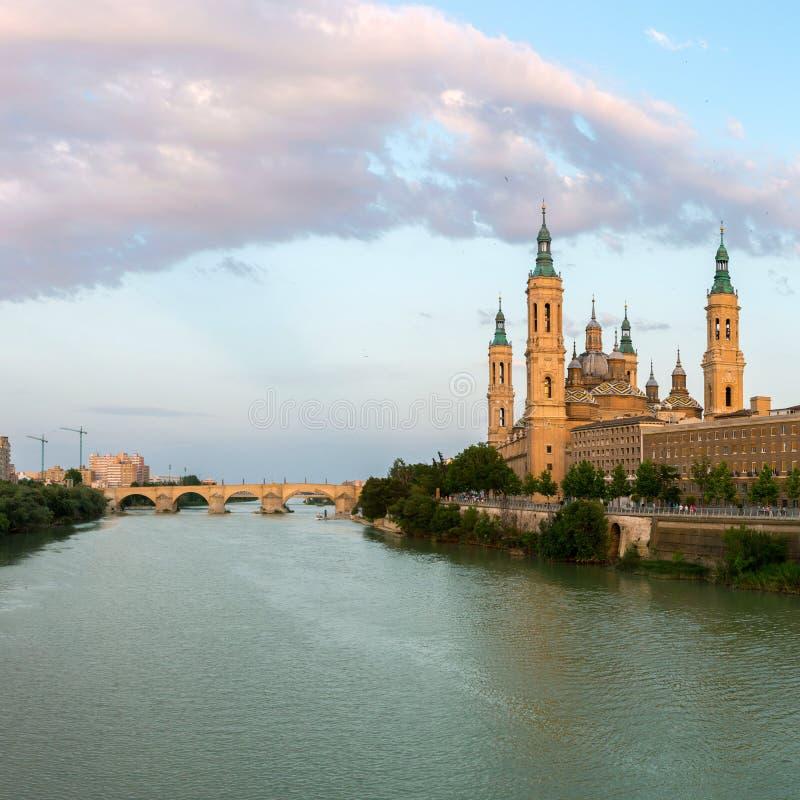 Zaragoza het Panorama van Basiliekspanje royalty-vrije stock foto