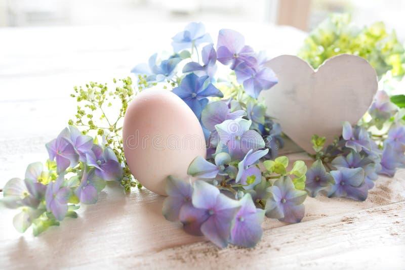 Zartes Ostern-Motiv für eine Grußkarte lizenzfreie stockfotografie