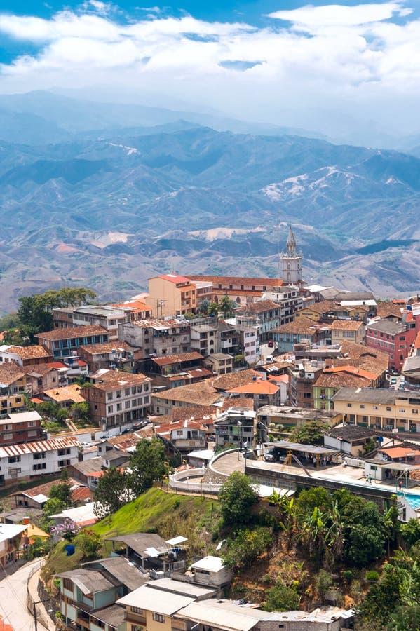 Zaruma - симпатичный городок вершины холма в Андах, эквадоре стоковое изображение
