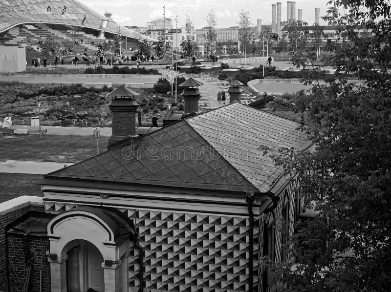 Zaryadye公园在莫斯科在夏天 免版税库存照片