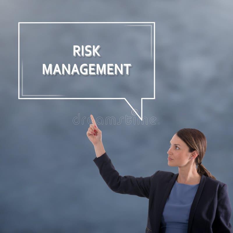 Zarządzanie ryzykiem biznesu pojęcie kobieta jednostek gospodarczych zdjęcie stock