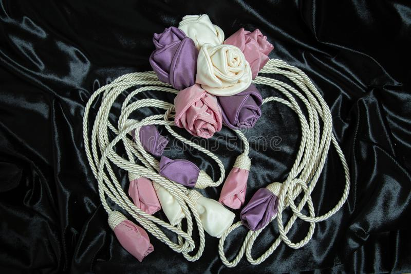Zasłoien tiebacks chłostają Wiązka krawat popiera dla zasłoien zdjęcie royalty free