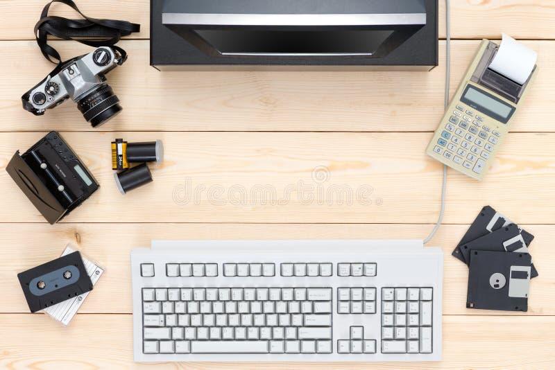 Zasięrzutny widok przestarzałe elektronika zdjęcia royalty free