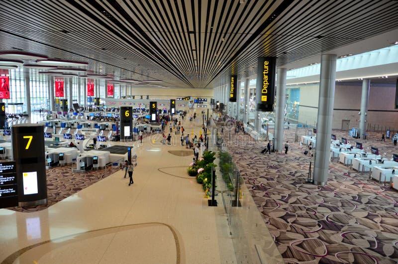 Zasięrzutny widok wyjściowy i ograniczony imigracyjny teren przy Singapur Changi lotniskiem zdjęcia royalty free