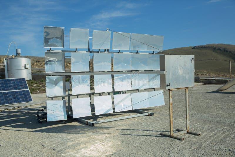 Zasilający elektryczność system Panel słoneczny, photovoltaic, alternatywny elektryczności źródło, - pojęcie podtrzymywalni zasob obraz royalty free
