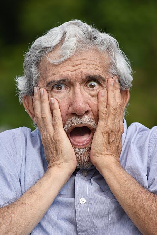 Zaskakująca Stara samiec fotografia stock