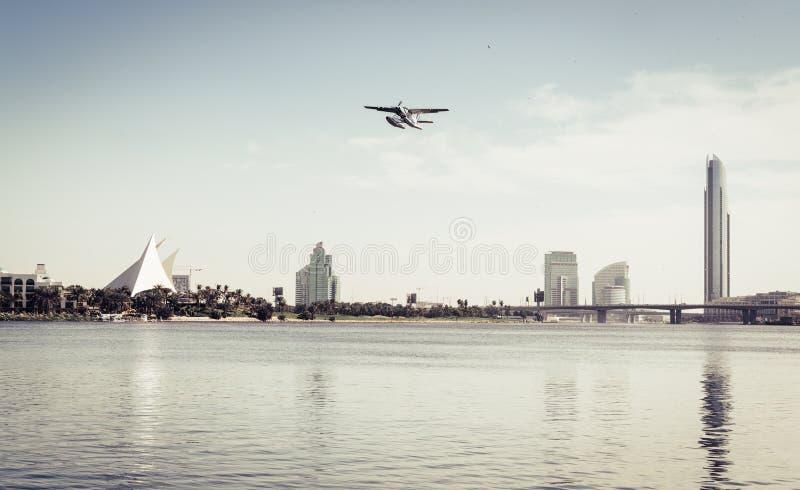 Download Zatoka Dubaju zdjęcie stock. Obraz złożonej z kurort - 106913700