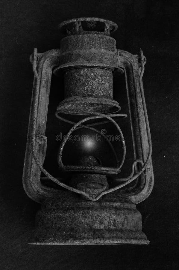 Zauberlampe Schwarz-Weiß-Bild Licht immer stockfotos