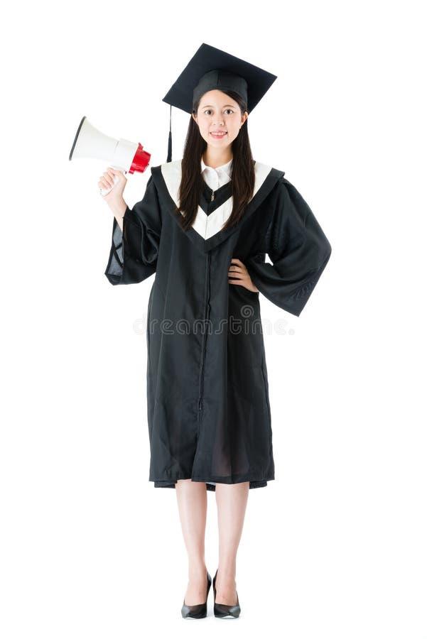 Zaufanie szkoły wyższa uśmiechnięty żeński absolwent fotografia royalty free