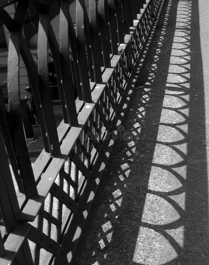 Zaun der Schatten stockbilder