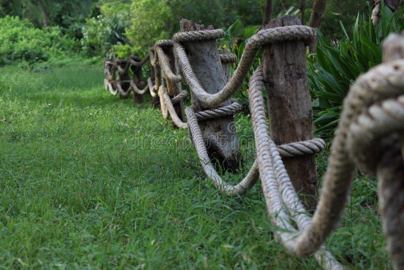 zaun hergestellt vom seil stockfoto bild von seil landschaften 34628292. Black Bedroom Furniture Sets. Home Design Ideas