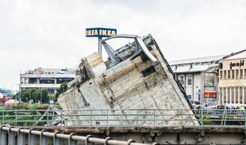 Zawalenie się Morandi most w genui, Włochy obraz royalty free