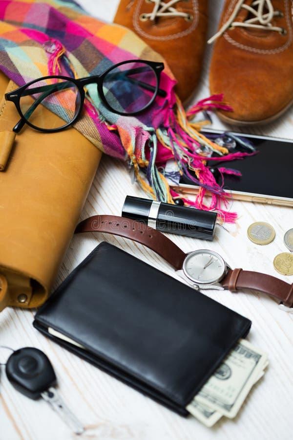 Zawartość żeńska torebka obrazy stock