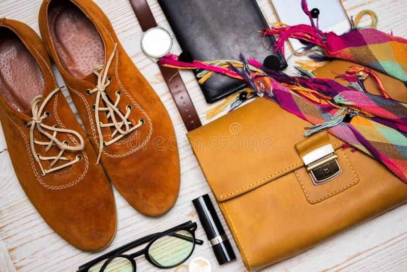 Zawartość żeńska torebka zdjęcie stock