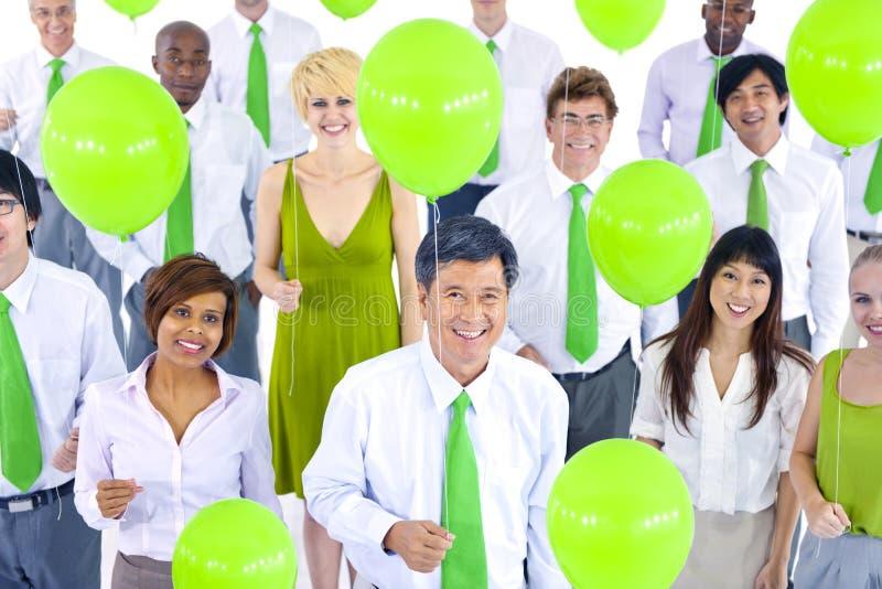 Zawodów międzynarodowych Zieleni ludzie biznesu Spotyka balon obrazy royalty free