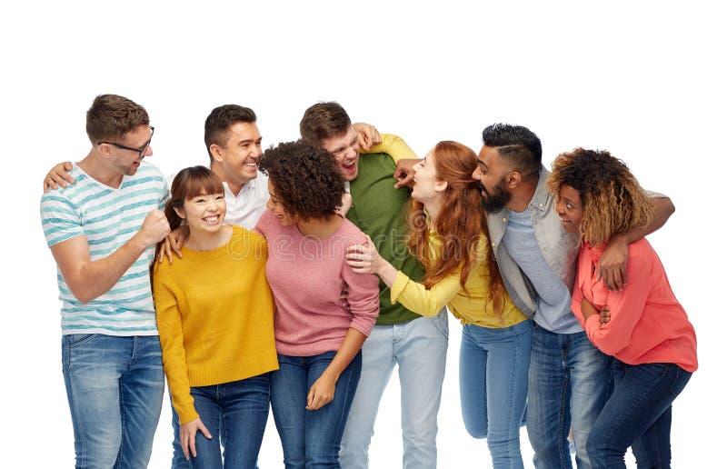 Zawody międzynarodowi grupa szczęśliwi roześmiani ludzie zdjęcie royalty free