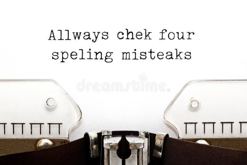 Zawsze Sprawdza Dla pisownia błędów maszyny do pisania pojęcia zdjęcia stock