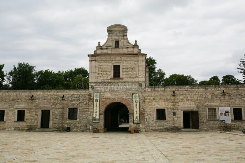 Zbarazh, Ucraina - 6 luglio 2017: Fortezza medievale in Zbarazh, regione di Ternopil fotografia stock libera da diritti