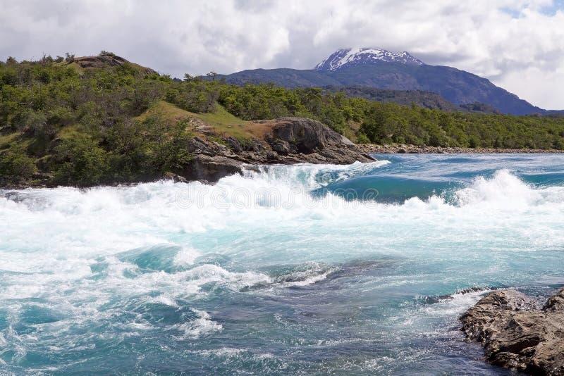 Zbieżność Piekarniana rzeka i Nef rzeka, Patagonia, Chile obrazy stock