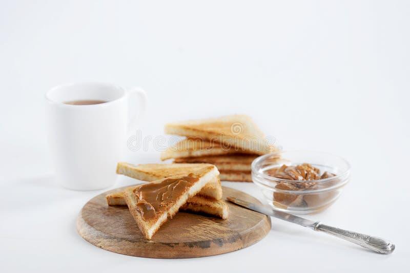 Zbliżenie widok smakowity grzanki śniadanie z zgęszczonym dojnym dżemem obraz stock
