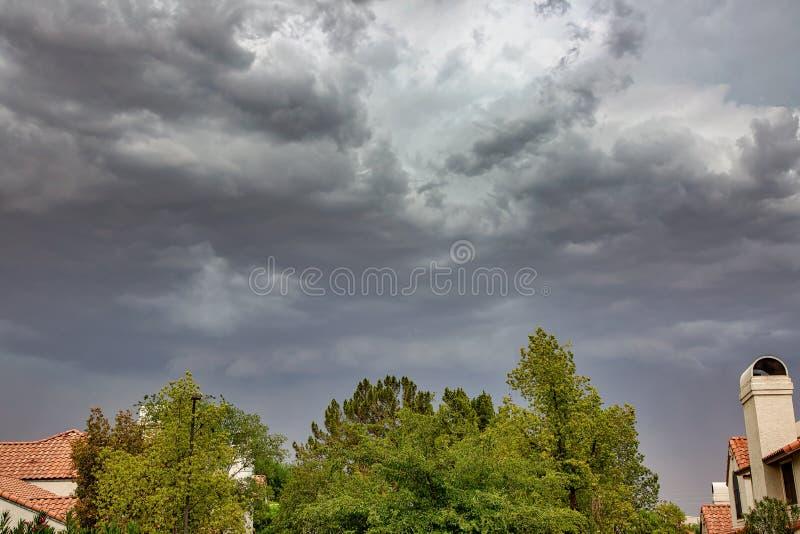 Zbliżać się monsun burzy chmury fotografia stock