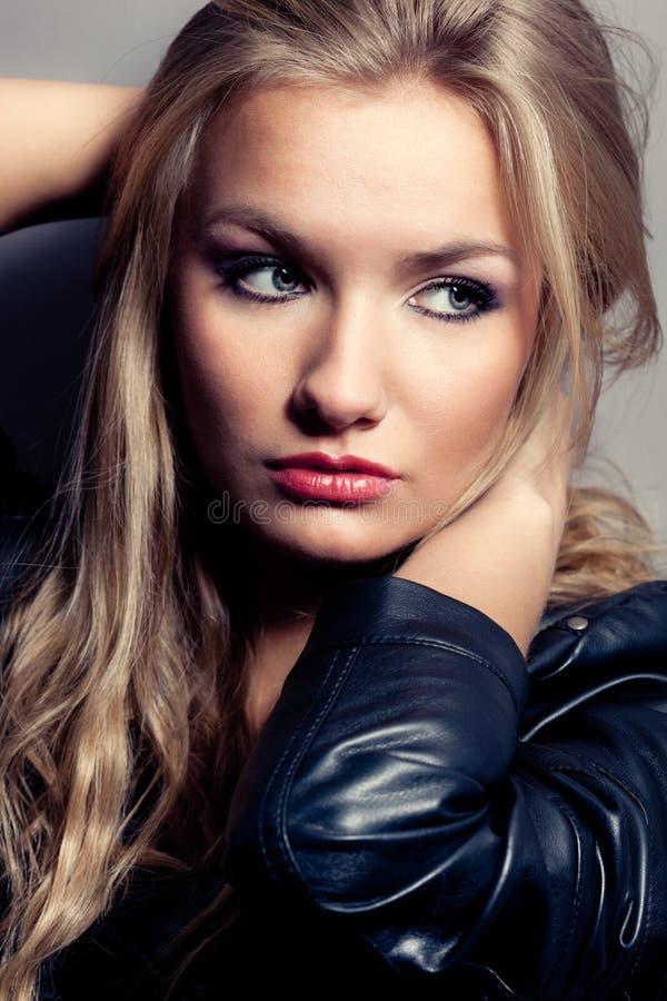 zbliżenia portreta skały stylu kobieta zdjęcie royalty free