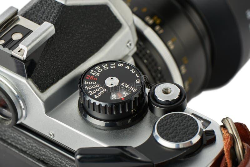 Zbliżenie żaluzi prędkości tarcza na klasycznej kamerze obrazy royalty free