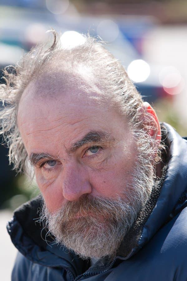Zbliżenie bezdomny mężczyzna zdjęcie stock