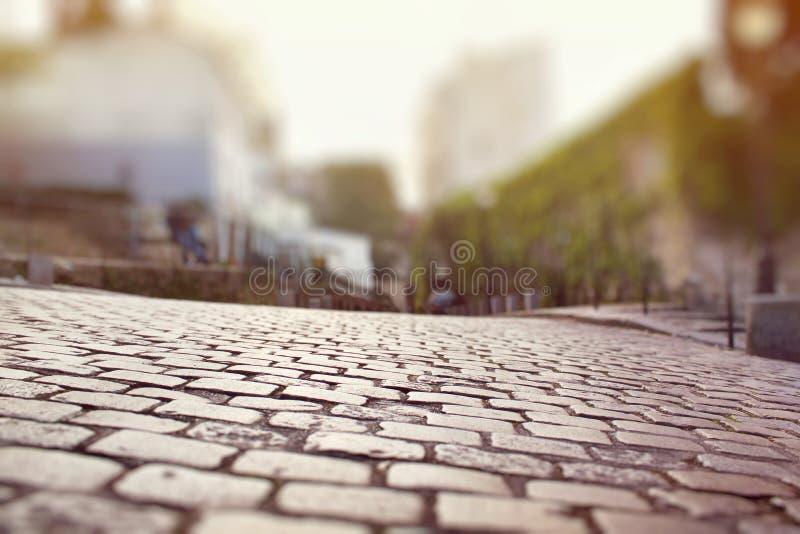 Zbliżenie brukowa bruk w Montmartre, Paryż zdjęcie royalty free