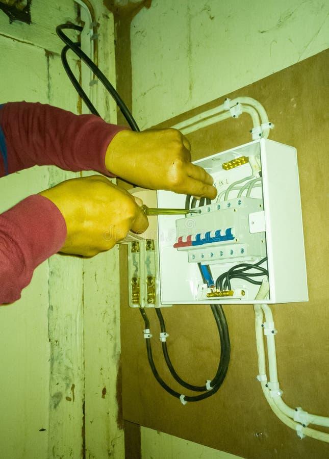 Zbliżenie elektryk pracy obraz stock