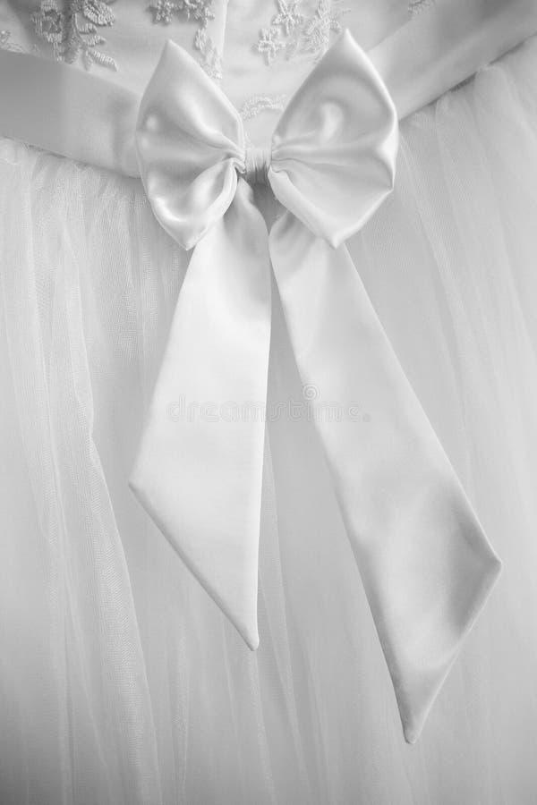 Zbliżenie faborek ślubnej sukni szczegół zdjęcia royalty free
