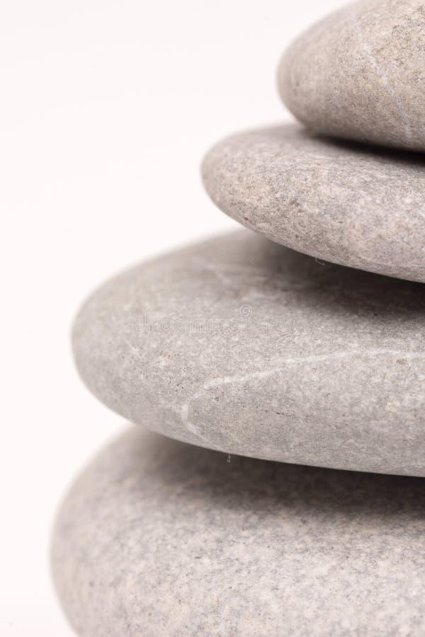 Zbliżenie kamieni abstrakta makro- widok balansujący popielaty tło obrazy royalty free
