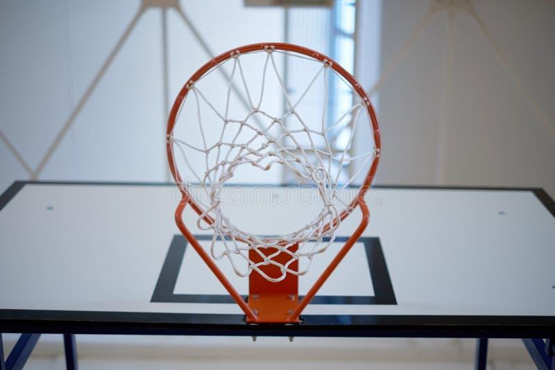 Zbliżenie koszykówka obręcz zdjęcia royalty free