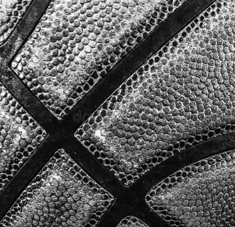 Zbliżenie koszykówka w czarny i biały fotografia stock