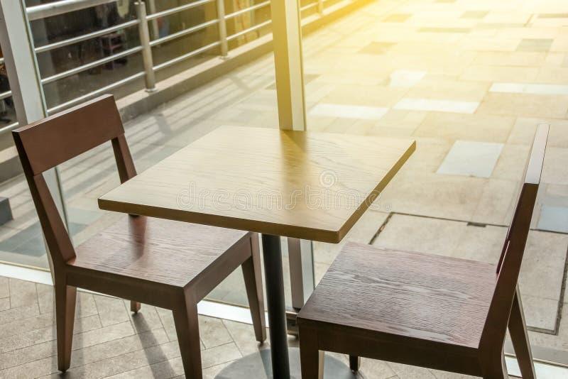 Zbliżenie odgórny widok stolik do kawy, łomota stół fotografia stock