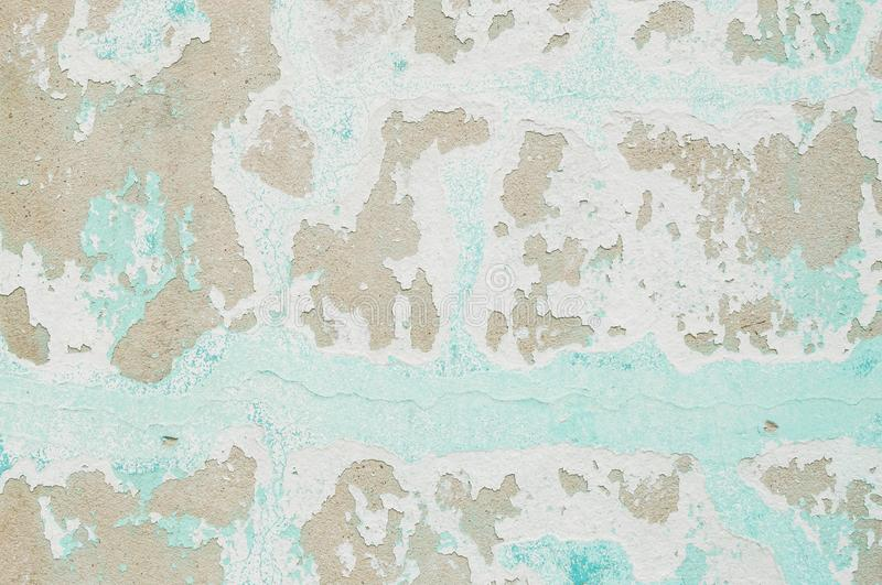 Zbliżenie palu kolor i obieranie malująca zieleń cementu ściana textured tło obraz stock