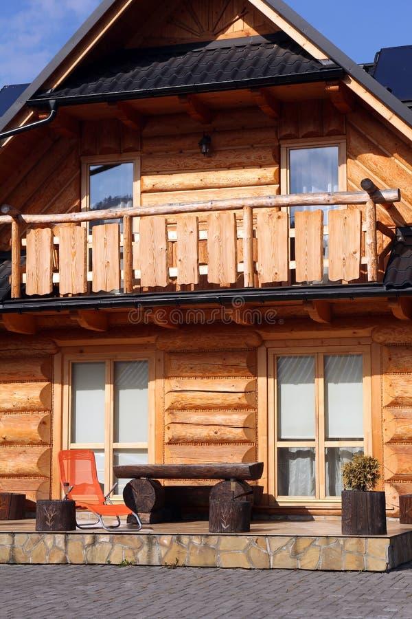 Zbliżenie piękny tradycyjny drewniany dom zdjęcia stock