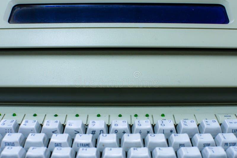 Zbliżenie pisać na maszynie maszyna fotografia royalty free
