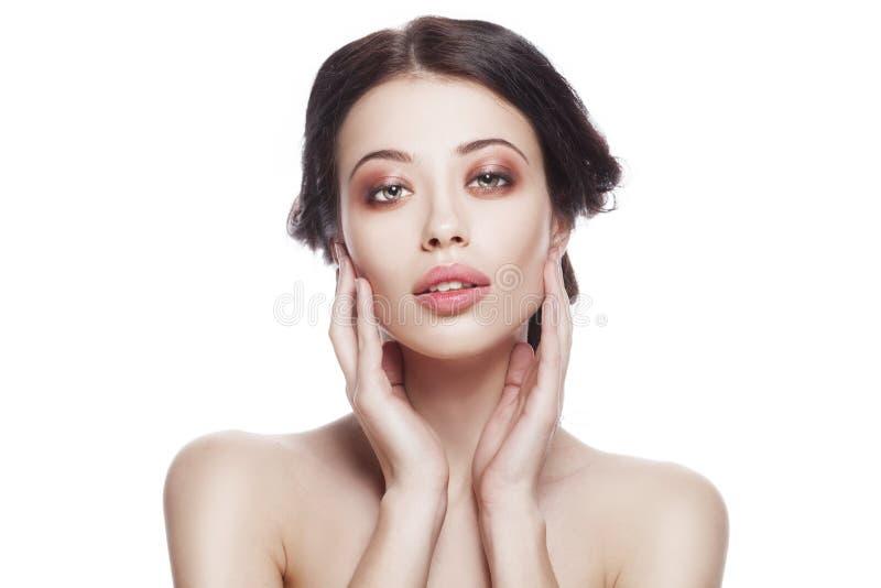 Zbliżenie portret młoda kobieta z czystą świeżą skórą fotografia royalty free